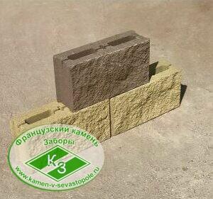 Блок заборный с пигментом колотый